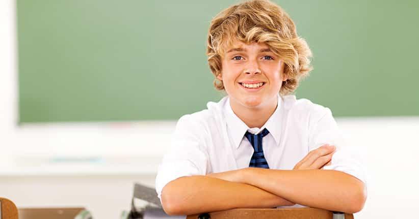 Kleiderordnung Schule – Was dürfen Schüler anziehen und was nicht?