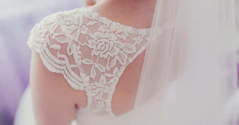 Vintage und Spitze – so romantisch wird die Brautmode 2017