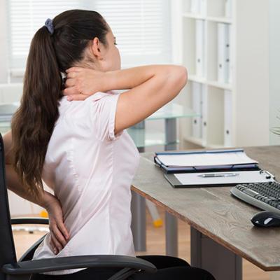 Rückenleiden verhindern – Büro Arbeitsplatz ergonomisch einrichten