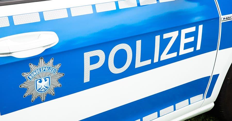 POL-MA: Mannheim-Vogelstang/Käfertal: Sattelzug beschädigt mit ausgefahrenem Kran Brücke über B 38 – Brücke derzeit in beide Fahrtrichtungen voll gesperrt