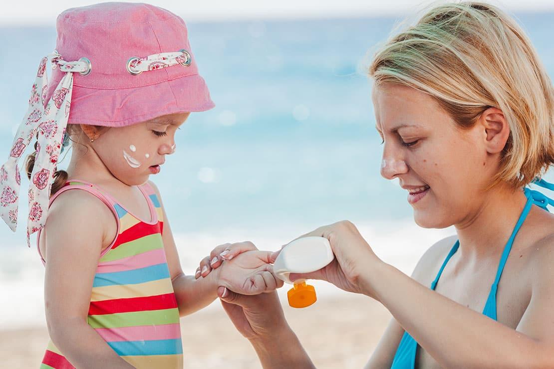 Creme, Gel oder Spray – welcher Sonnenschutz für die Haut ist besser?