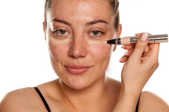 Concealer gegen Augenringe – für ein frisches, gesundes Aussehen