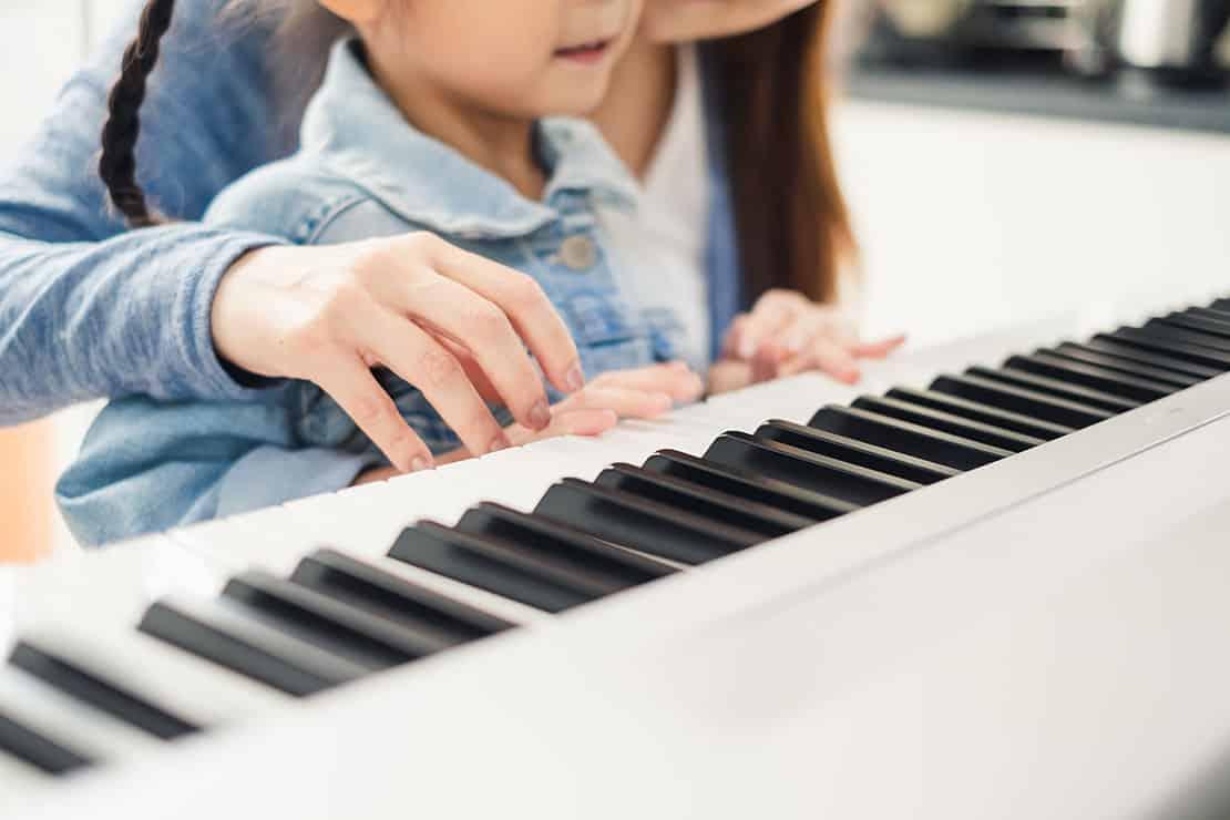 Keyboard oder Digitalpiano – was ist zum Lernen besser?