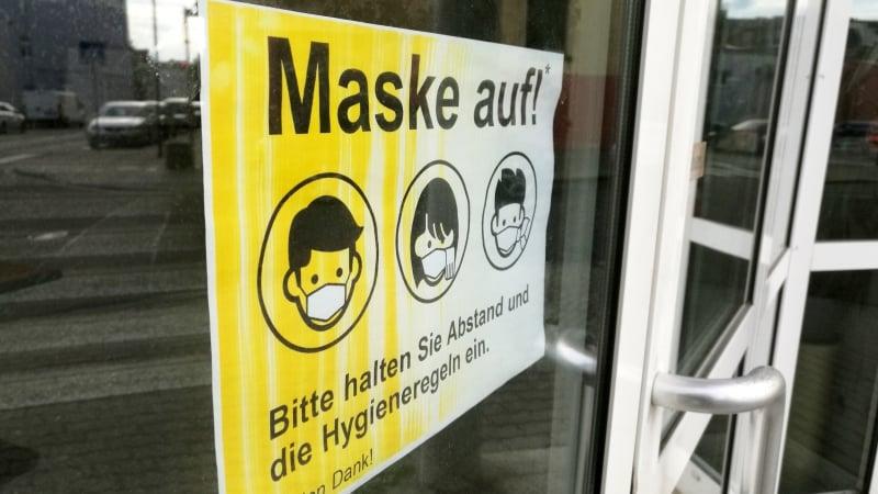 Karliczek will bei Wegfall der Maskenpflicht mehr Tests an Schulen